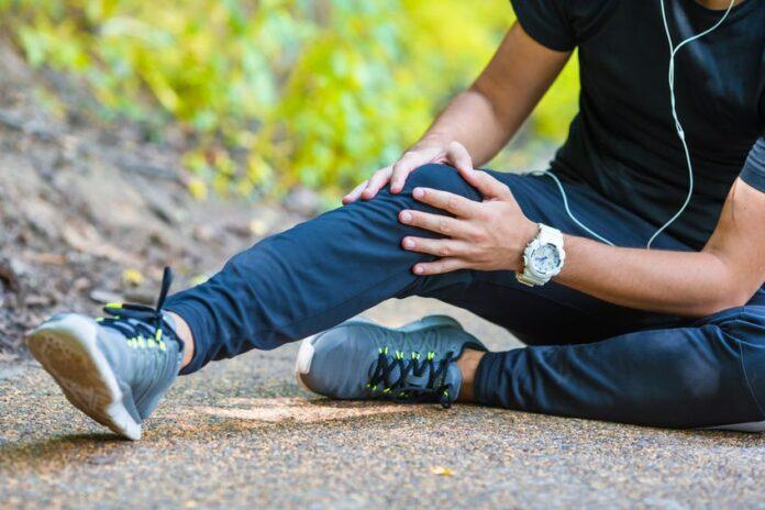 Sportif avec genoux douloureux